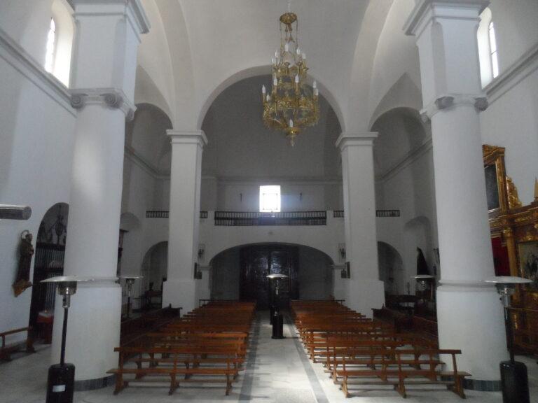 iglesia interior desde altar
